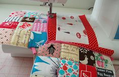 sewing a zippered pouch