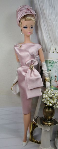 "Elegance in pale orchid, ""Bellisa"" for Silkstone Barbie by Matisse Fashions. Vintage Barbie Clothes, Vintage Dresses, Doll Clothes, Poupées Barbie Collector, Poppy Parker, Barbie Dress, Barbie Outfits, Little Doll, Barbie Collection"