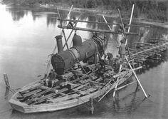 まだ橋が出来ていない時に、機関車を川の向こう岸に運ぶ方法です。「舟積」