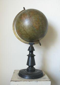 """19th century French globe - manufacturers markings are: """"GLOBE METRIQUE, E. BERTAUX EDITEUR, 44 Rue N.D. des Champs, Paris."""