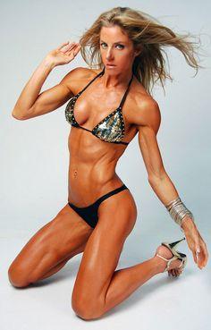 Australian fitness model, Belinda Benn body transformation after starting workouts...