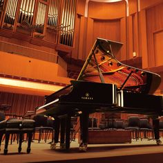 Overwhelming Yamaha piano
