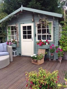 Lovely and Cute Garden Shed Design ideas for Backyard Part 30 ; garden shed ideas; garden shed organization; garden shed interiors; garden shed plans; garden shed diy; garden shed ideas exterior; garden shed colours; garden shed design Backyard Studio, Backyard Sheds, Backyard Landscaping, Cottage Garden Sheds, Garden Houses, Casa Top, Patio Grande, Craft Shed, Studio Shed