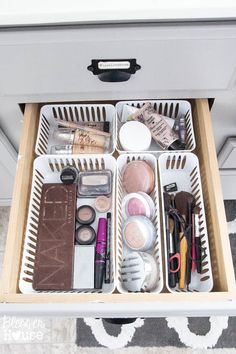 Dollar Store Bathroom Drawer Organization (5 of 7)