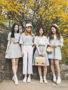 Korean Fashion Trends you can Steal – Designer Fashion Tips Korean Girl Fashion, Korean Fashion Trends, Ulzzang Fashion, Korea Fashion, Japanese Fashion, Ulzzang Girl, Asian Fashion, Girly Outfits, Cute Outfits