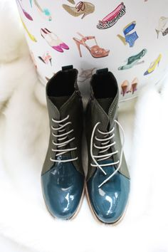 AcuaLú by fassinato  www.fassinato.jimdo.com Dress For Success, Dr. Martens, Combat Boots, Shoes, Fashion, Moda, Zapatos, Shoes Outlet, La Mode