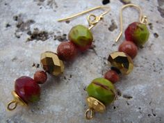 Czech Glass Beads Dangle Earrings Apple by NopalitoVintageMore