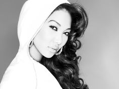 Love her or hate her, Kimora Lee Simmons must be doing something right!