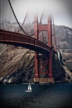 The Golden Gate, San Francisco, California fog beginning to roll in Baie De San Francisco, San Francisco California, California Dreamin', Golden Bridge San Francisco, Oh The Places You'll Go, Places To Visit, Lac Tahoe, San Fransisco, Santa Monica