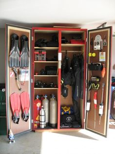 This looks like something we'd quite like to have as our Dive closet!