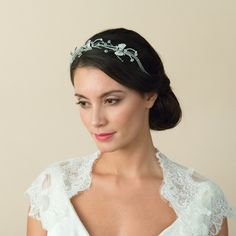 Austrian Crystal Art Dec inspired wedding headband – A stunning vintage styled headband which has been plated in Rhodium for a more authentic darker antique silver finish. Austrian Crystals cut both with facets to sparkle like real diamonds and as crystal beads are set in a classic Art Deco 1920's style intricate pattern