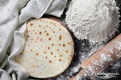 Domowa, miękka i elastyczna tortilla pszenna