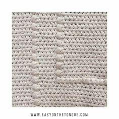 Crochet a pillow cover in a weekend. freecrochet crochetpattern 1 Crochet an Easy Elegant Pillow Cover in a Weekend Crochet Home, Free Crochet, Learn Crochet, Diy Blanket Ladder, Crochet Pillow, Easy Crochet Patterns, Crochet For Beginners, Fabric Crafts, Pillow Covers