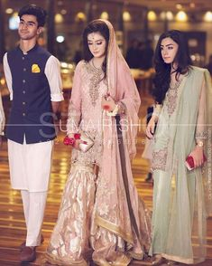 Beautiful bride on her nikkah with her brother and sister Nikkah Dress, Shadi Dresses, Pakistani Formal Dresses, Pakistani Wedding Outfits, Pakistani Dress Design, Bridal Outfits, Mehndi Dress, Pakistani Couture, Indian Bridal Lehenga