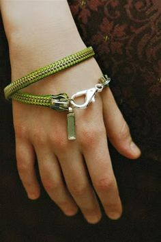 bracelets (or necklaces) from old zippers