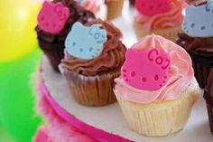 Hello Kitty Mini Cupcakes.
