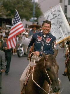 Here is a splendid picture of Ronald Reagan looking looking like an American cowboy. (via Reagan on the Campaign Trail) President Ronald Reagan, Our President, Greatest Presidents, American Presidents, I Love America, God Bless America, American Pride, American History, American Freedom