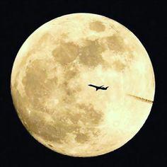 Apaixonados por viagem... #supermoon #superlua #dicasdeviagem #moon #travel #viagem
