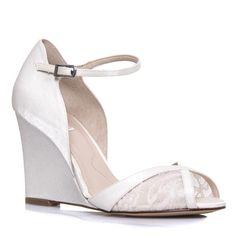 157d1f521b 37 adoráveis imagens de Designers de Sapato para Noivas