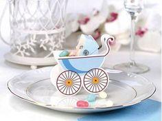 Ver detalles de Cajitas sorpresa bebé azul (10) Baby Shower, Baby Party, Christening, Box, Place Card Holders, Plates, Tableware, Baby Things, Baby Blue