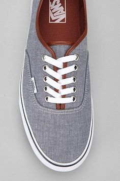 Vans Authentic Chambray Sneaker - I think I like this better than the other ones! Sock Shoes, Cute Shoes, Vans Shoes, Me Too Shoes, Shoe Boots, Cl Fashion, Fashion Shoes, Fashion Accessories, Mens Fashion