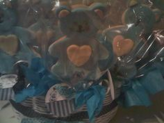 Cestas con paletas de galletas para recuerdos de nacimientos