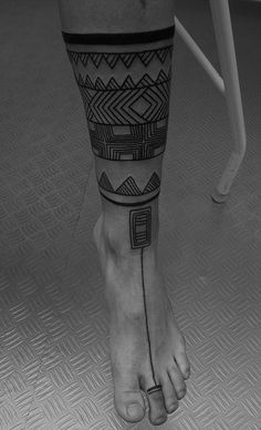 Feet and leg abstract tatto Body Art Tattoos, Sleeve Tattoos, Tatoos, Maori Tattoos, Tribal Hand Tattoos, Arte Tribal, Skin Art, Tattoo Inspiration, Tattoo Designs
