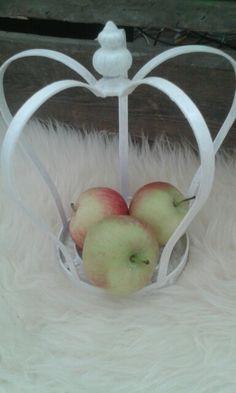 Kruunu ja omenat