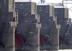 Lock and Dam 15  Davenport, Iowa   by JKleeman, via Flickr