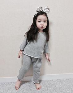 45 New ideas for baby cute asian Cute Asian Babies, Korean Babies, Asian Kids, Cute Babies, Cute Little Baby, Cute Baby Girl, Beautiful Children, Beautiful Babies, Kids Girls