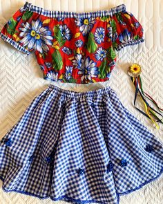 🥰🥰🥰 - Free l pins Country Dresses, Dress Neck Designs, Pageant, Diy Clothes, Pullover, Kids Outfits, How To Make, How To Wear, Mini Skirts