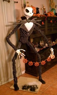 PVC Life Size Jack Skellington...step by step How-to.... I would have to put him up on my roof though to look out over people as they drive by...