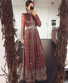 Morrocan Dress, Moroccan Caftan, Pakistani Formal Dresses, Indian Gowns Dresses, Moroccan Fashion, Couture Dresses, Fashion Dresses, Arab Fashion, Muslim Fashion