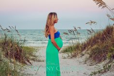 Things That All Pregnant Women Must Know. Pregnancy is both an exciting time and a fearful time for many women. Beach Maternity Photos, Maternity Session, Pregnancy Photos, Pregnancy Advice, Beach Photos, Baby Girl Photography, Family Photography, Pregnancy Months, Godchild
