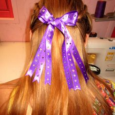 Triple noeud strassé en satin violet