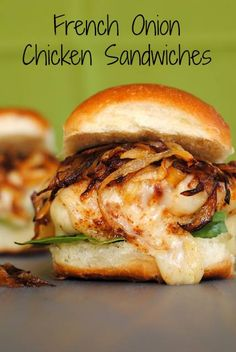 French Onion Chicken Sandwiches - all of the flavor of French Onion Soup, in a chicken sandwich! | foxeslovelemons.com❤️