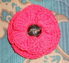 This flower can be worked with any weight of yarn. Finer weights will create a smaller flower, and bulkier weights will create a larger flower. Use the hook size appropriate for the yarn you choose. Crochet Poppy Free Pattern, Free Crochet, Yarn Flowers, Small Flowers, Sewing Patterns, Crochet Patterns, Flower Crafts, Bean Bag Chair, Poppies