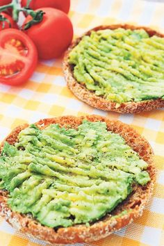 Dr Oz shared his Anti-Inflammatory Toast Recipe as part of the Big Belly Body Type Diet, including workout advice & weight loss suggestions. My Favorite Food, Favorite Recipes, Creamy Avocado Dressing, Vegetable Dips, Sandwiches, Corn Salad Recipes, Beauty Detox, Acai Smoothie, Pasta