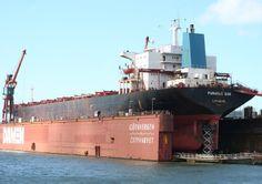 Panamax Sun in dry dock at Cityvarvet, Gothenburg Bulk cargo ship photographed on 24 June 2008