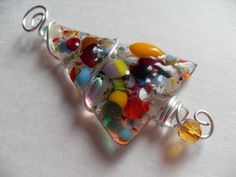 Note the wire wrapping.  Colorful Fused glass Chrismas tree pin brooch wire by sherrylee16, $13.00