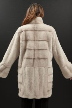 Manteau de Vison Pearl Kopenhagen Fur http://www.fourrure-privee.com/fr/fourrures/manteaux-fourrure/manteau-de-vison-pearl-601