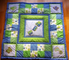 Scrappy Lattice is a great scrap quilt pattern to help you scrap bust. If you're light on scraps it also has instructions for using fat quarters. This quilt pattern comes in five sizes, baby, lap, twi Quilt Baby, Baby Patchwork Quilt, Patchwork Quilt Patterns, Modern Quilt Patterns, Modern Quilting Designs, Quilt Modernen, Green Quilt, Jellyroll Quilts, Quilt Tutorials