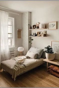 Awesome Idee Deco Chambre Style Loft that you must know, You?re in good company if you?re looking for Idee Deco Chambre Style Loft Small Room Bedroom, Home Bedroom, Girls Bedroom, Master Bedroom, Small Bedroom Interior, Modern Bedroom, Bedroom Inspo, Master Suite, Bedroom Simple