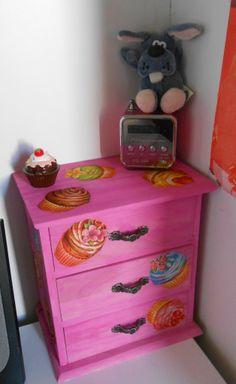 Oltre 1000 idee su decoupage scrivania su pinterest - Decoupage su mobili ...