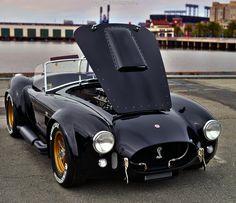 You will ❤ MACHINE Shop Café... ❤ Best of Ford @ MACHINE ❤ (Beautiful Black & Gold AC Cobra)