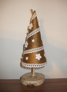 Christmas tree DIY Diy Christmas Tree, Decorative Bells, Home Decor, Table Decorations, Mesas, Decoration Home, Room Decor, Home Interior Design, Home Decoration