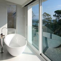 Hong Kong Residence - bathroom by Blu Bathworks