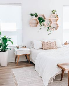 35 Amazingly Pretty Shabby Chic Bedroom Design and Decor Ideas - The Trending House Room Ideas Bedroom, Room Inspiration Bedroom, Bedroom Makeover, Home Bedroom, Minimalist Bedroom, Room Decor Bedroom, Modern Bedroom, Girl Bedroom Decor, Bedroom