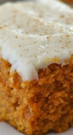 Pumpkin Snack Cake Grandma's Pumpkin Snack Cake ~ This Pumpkin Snack Cake is packed full of fall flavors, and topped with a easy cream cheese cinnamon-dusted frosting!Sphagnum fallax Sphagnum fallax, the flat-topped is a moss species in the genus Sphagnum 13 Desserts, Delicious Desserts, Dessert Recipes, Yummy Food, Recipes Dinner, Health Desserts, Picnic Recipes, Baking Desserts, Health Foods