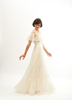 Vintage 1970s Wedding Dress  70s Wedding Gown  by concettascloset, $224.00